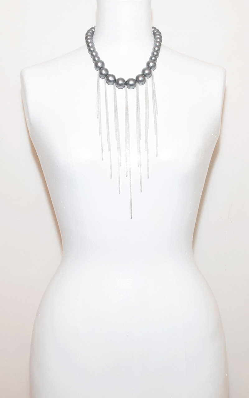 C-05C     White or grey cotton pearls, magnetic clasp, sterling silver chain